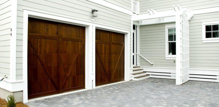 Porte de garage motoris e porte et compagnie - Combien coute une porte de garage ...